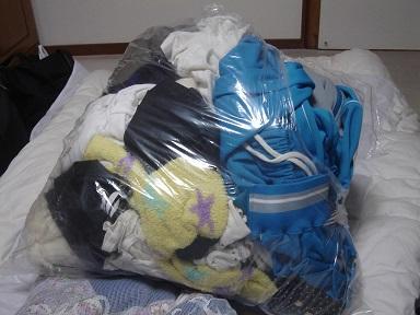 ゴミ捨て場に置いてあったJS・JCの汚れパンツ